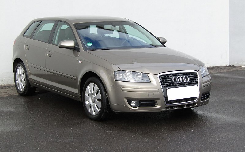 Audi A3 1.6 FSi Attraction