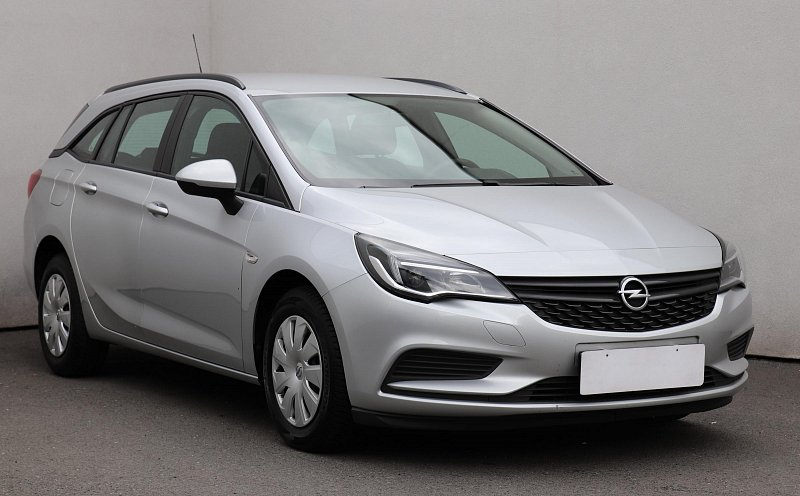 Opel Astra 1.6CDTi Selection