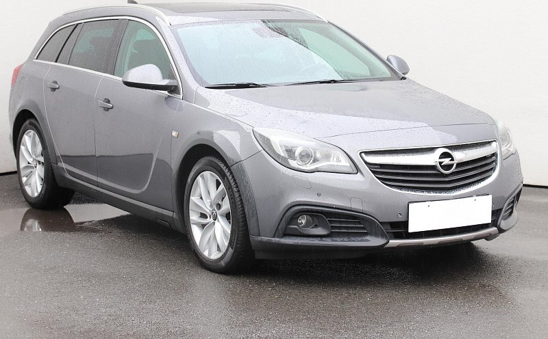 Opel Insignia 1.6 CDTi Country Tourer