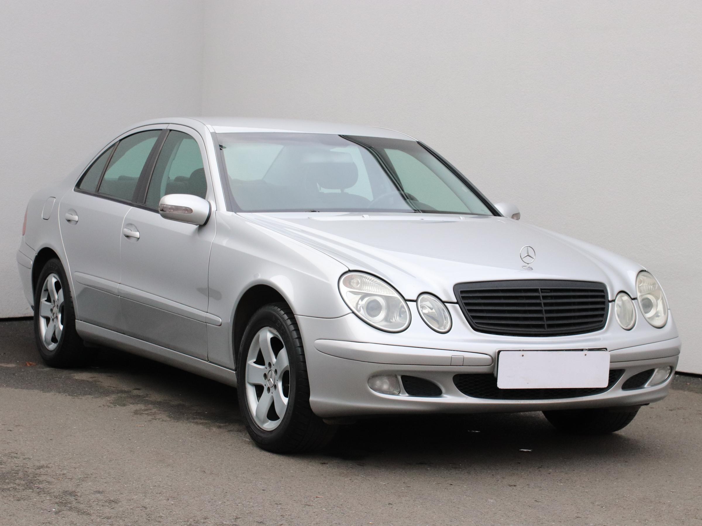 Mercedes-Benz Třída E, 2002
